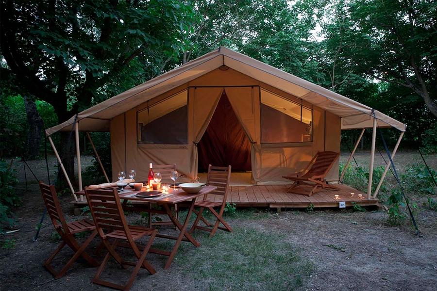 Lloguer glamping tenda Cotton Lodge natura a Migdia-Pirineus- Occitania, Arieja: aperitiu vacances