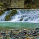Fontaine intermittente de Fontestorbes en Ariège, Occitanie © Maxime Raynal