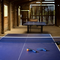 Jeux et tables de ping-pong au camping en Ariège, Midi-Pyrénées