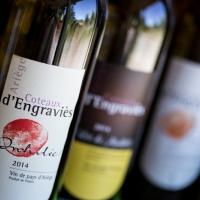 Sélection de vins français locaux au camping en Ariège, Occitanie