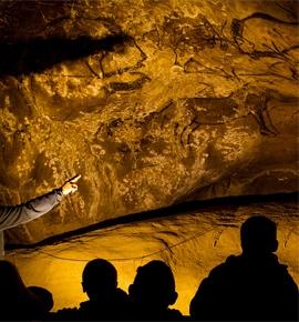 Archeologische grot van Niaux in Ariege Frankrijk
