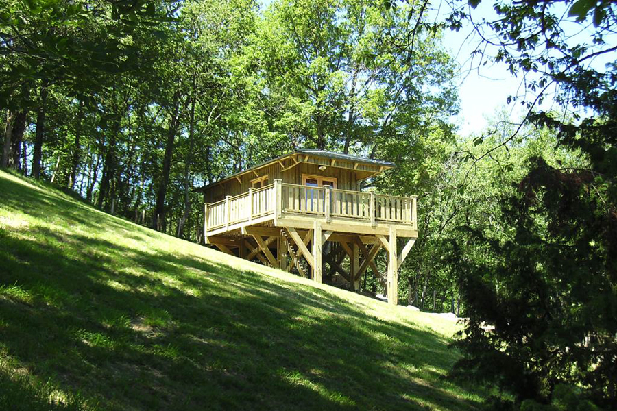 Rental glamping wooden hut in France, Midi-Pyrenees - Occitanie : in the heart of nature