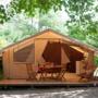 Location glamping tente Cotton Lodge nature en Midi-Pyrénées - Occitanie, Ariège : terrasse