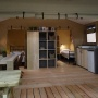 Glamping zelt lodge vermietung safari natur frankreich midi pyrenees okzitanien ariege wohnzimmerblick