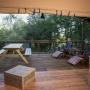 Glamping zelt lodge vermietung Okavango Premium in Frankreich, Midi-Pyrenees Okzitanien Ariege : Terrasse
