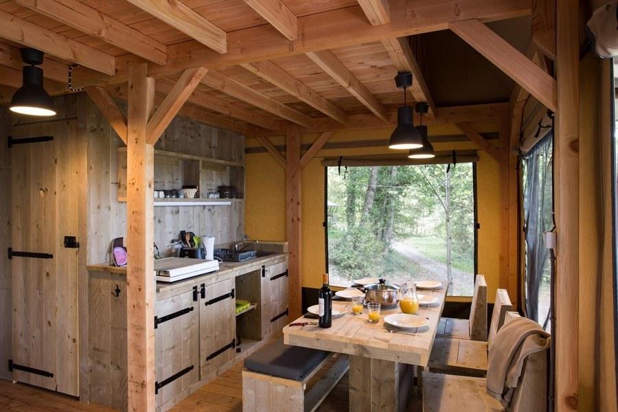 Glamping zelt lodge vermietung okavango premium frankreich midi pyrenees okzitanien ariege kochen