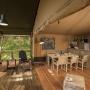 Glamping zelt lodge vermietung Safari Woodlodge XL Luxus in Frankreich, Midi-Pyrenees Okzitanien Ariege : Terrasse